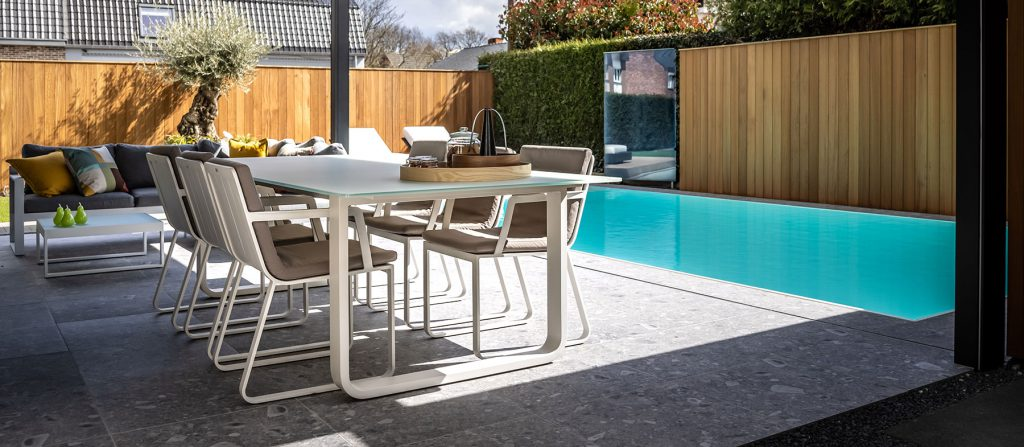 Zwembad in kleinere tuin