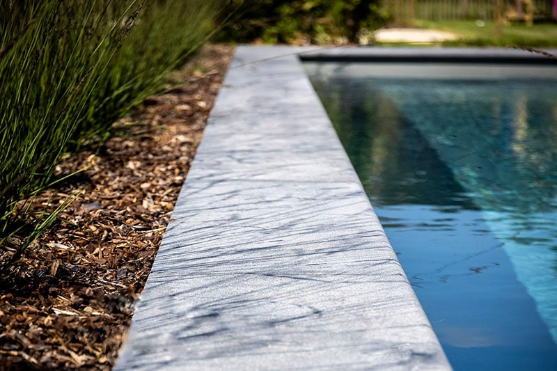Granieten randstenen zwembad